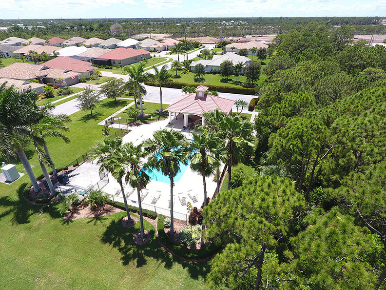 Jensen Beach Country Club - Clubhouse